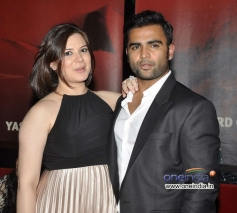 Sachiin Joshi along with his wife Urvashi during the Jackpot movie premiere