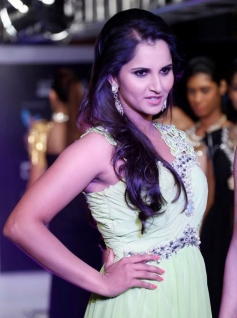 Sania Mirza at the Hyderabad International Fashion Week 2013 Day 04