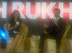 Shahrukh Khan answering the media at the Agenda Aaj Tak program
