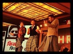 Shahrukh Khan dance for Lungi Dance song of Chennai Express film at the Agenda Aaj Tak program