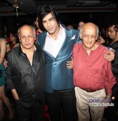Shiv Darshan welcomes Mukesh and Mahesh Bhatt during the music launch of film Karle Pyaar Karle