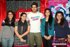 Sidharth Malhotra poses with his fans during the Hasee Toh Phasee film promotion