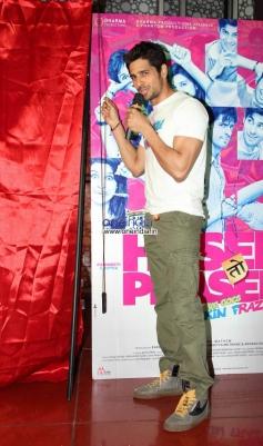 Sidharth Malhotra promotes Hasee Toh Phasee