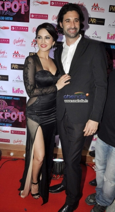 Sunny Leone along with her husband during the Jackpot movie premiere