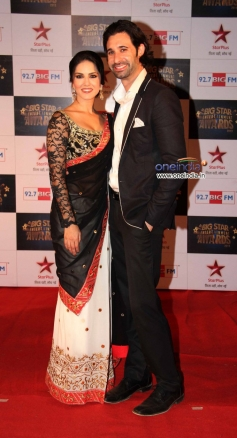 Sunny Leone with her husband Daniel Webber at the Big Star Entertainment Awards 2013