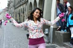 Trisha Krishnan still from film Endrendrum Punnagai