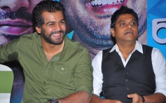 Vinay Rai and Harris Jayaraj at the Endrendrum Punnagai film success meet