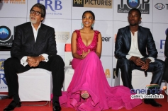 Amitabh Bachchan with Atandwa Kani and Terry Pheto at the premiere of Mandela Long Walk to Freedom