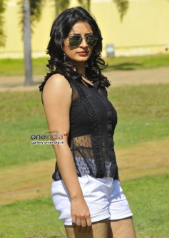 Anitha Bhat in Kannada Movie Nage Bomb