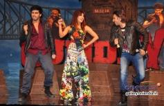 Arjun Kapoor, Priyanka Chopra and Ranveer Singh performed at the music launch of film Gunday