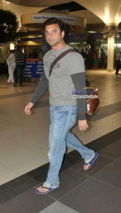 Sohail Khan snapped at Mumbai airport