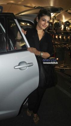 Raveena Tandon snapped while leaving Mumbai airport
