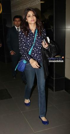 Shamita Shetty snapped at Mumbai airport