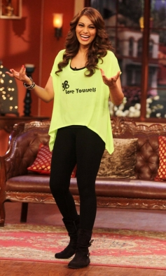 Bipasha Basu on The Sets of Comedy Nights