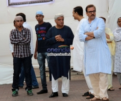 Celebrities attend Farooq Sheikh's funeral