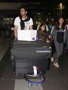 Arjun Rampal snapped at Mumbai Airport