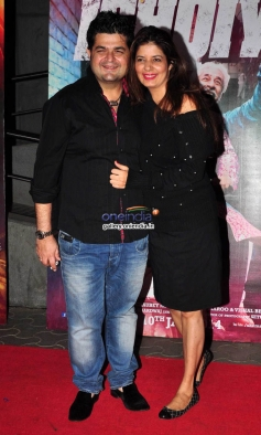 Dabboo Ratnani along with his wife Manisha during the Dedh Ishqiya film premiere