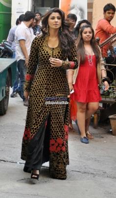 Daisy Shah arrive on the sets of Nach Baliye 6 for Jai Ho promotion