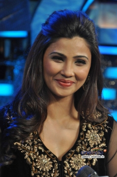 Daisy Shah during the film Jai Ho promotion on Dance India Dance tv show