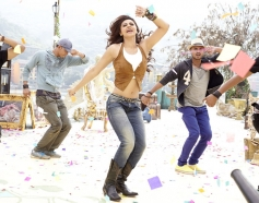 Daisy Shah in Bollywood Movie Jai Ho