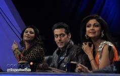Daisy Shah, Salman Khan and Shilpa Shetty during film Jai Ho promotion at Nach Baliye 6