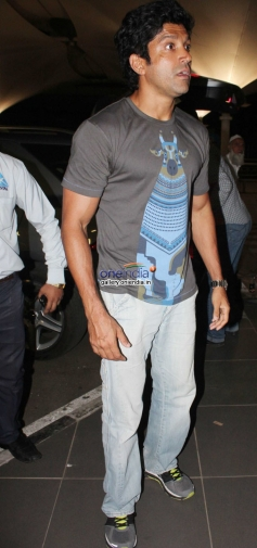 Farhan Akhtar snapped at Mumbai Airport