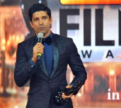 Farhan Akhtar speaks after receiving the Best Actor in Leading Role award for the movie Bhaag Milkha