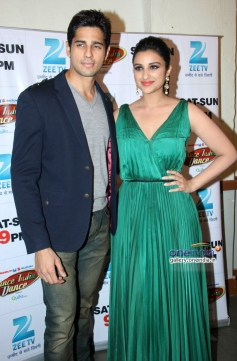 Hasee Toh Phase film promotion on the sets of Dance India Dance season 4