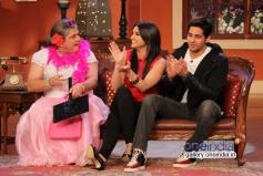 Ali Sagar with Sidharth Malhotra and Parineeti Chopra on the sets of Comedy Nights with Kapil