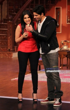 Hasee Toh Phasee promotion on the sets of Comedy Nights with Kapil