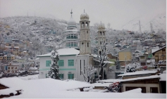 Heavy snow fall in Doda