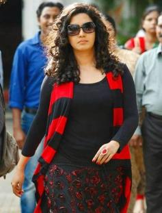 Honey Rose in Malayalam Movie Ring Master
