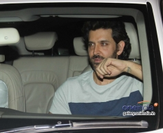 Hrithik Roshan snapped at Sonali Bendre's place