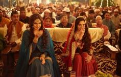 Huma Qureshi and Madhuri Dixit still from film Dedh Ishqiya
