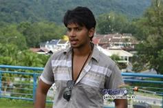 Irfan still from film Ethir Veechu