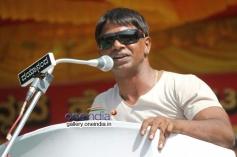 Duniya Vijay at Kannada Film Industry Bundh against Dubbing