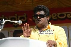 Jaggesh at Kannada Film Industry Bundh against Dubbing