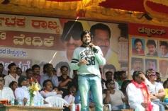 Sudeep at Kannada Film Industry Bundh against Dubbing