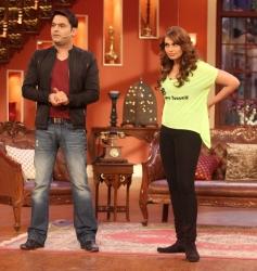 Kapil Sharma & Bipasha Basu on The Sets of Comedy Nights