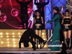 Manish Paul funny acts infront of Katrina Kaif during the Umang 2014