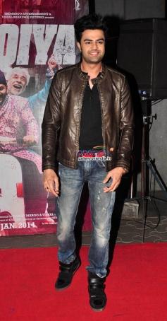 Manish Paul at the Dedh Ishqiya film premiere