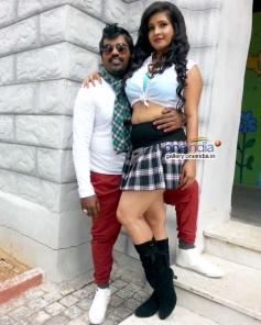 Nagashekhar and Shubha Poonja in Kannada Film Tarle Nan Maklu