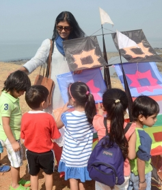 Nandita Das with kids during the 26th edition of International Kite festival