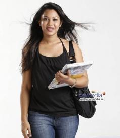 Niharikaa Mallya in Kannada Movie Dosti