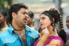 Ashwin Shekher and Keerthi Chawla still from film Ninaivil Nindraval