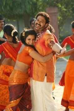 Keerthi Chawla and Ashwin Shekher still from film Ninaivil Nindraval