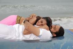 Gayathri and Ashwin Shekher still from film Ninaivil Nindraval