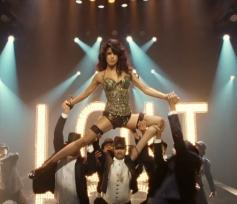 Priyanka Chopra cabaret song asalaam e Ishqum from Gunday