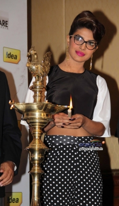 Priyanka Chopra inaugrates during the press conference of 59th Idea Filmfare Awards 2013