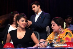 Priyanka Chopra with Kiron Kher on the sets of India's Got Talent